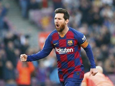 El Barça juega por primera vez en San Paolo