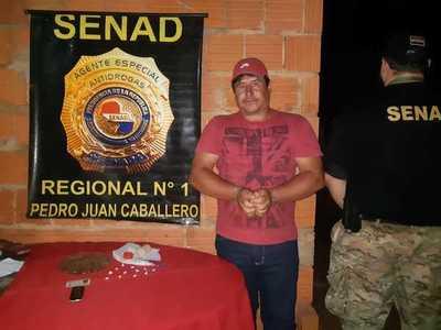 En operativos simultáneos detienen a traficantes de cocaína y crack en Zanja Pytá