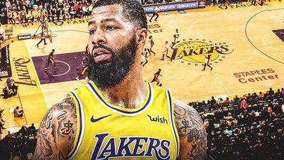 Markieff Morris se alista en los Lakers