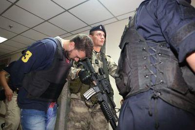 Imputados por crimen de Leo Veras comparecen ante juez