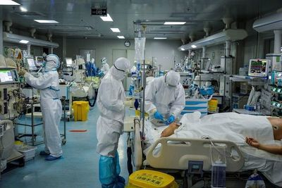 La extensión del coronavirus fuera de China hace temer una pandemia mundial