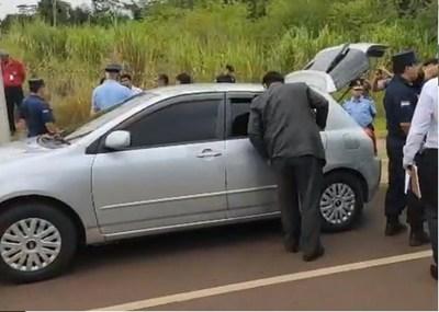 Hallan cuerpos de dos mujeres en un automóvil. Niña de unos 5 años estaba junto a los cadáveres