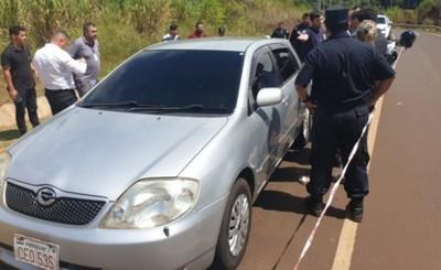 Encuentran a dos mujeres muertas en un vehículo sobre Avda. Perú