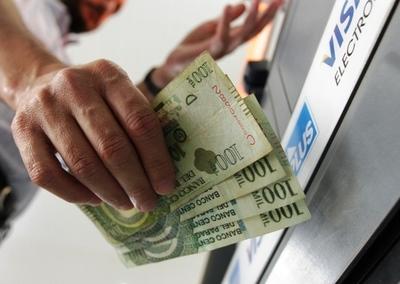 Hacienda inicia pago de salarios a funcionarios públicos