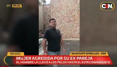 Hombre es grabado mientras maltrataba a su expareja en un conocido shopping