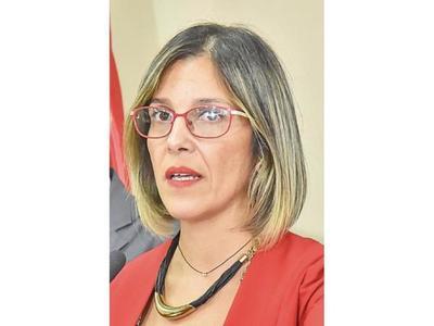 Fiscala recaba datos de asistencia tras denuncia de estafa en la EBY