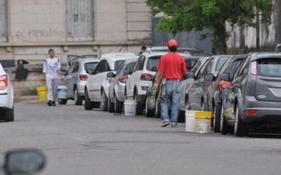Policía garantiza acompañamiento en retiro de cuidacoches y limpiavidrios de las calles