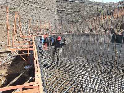 Avanza trabajo en la base para las torres principales del Puente Integración
