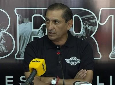 Ramón Díaz y Libertad, frente a la doble competencia