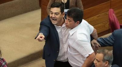 Levantan sesión del Senado luego de escándalo entre liberales
