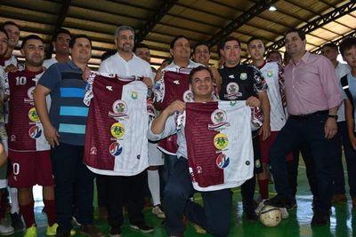 Abdo Benitez inauguró complejo polideportivo de San Juan, Misiones