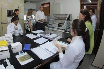 Ministerio de Salud dispone de laboratorio central en condiciones técnicas y de RRHH para diagnóstico de coronavirus