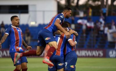 HOY / Bahía ridiculiza a Nacional y lo saca por la puerta de atrás de la Sudamericana