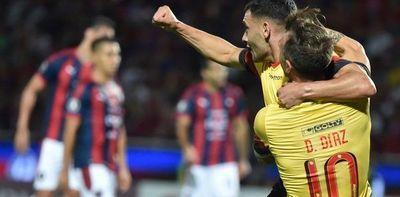 Barcelona golea de visita 4-0 a Cerro Porteño