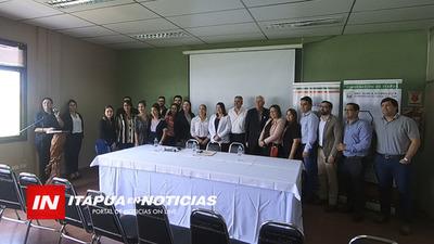 ACADEMIA DE LIDERAZGO JUVENIL FUE PRESENTADA EN LA GOBERNACIÓN DE ITAPÚA