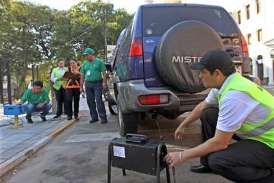 Municipios deberán controlar emisión de fuentes móviles de vehículos