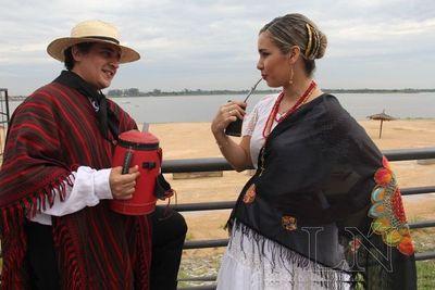 """Artesanías, festival folclórico y gran ronda por el """"Día del Tereré"""""""