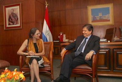 Ministro del Interior y Embajadora de Francia dialogan sobre seguridad