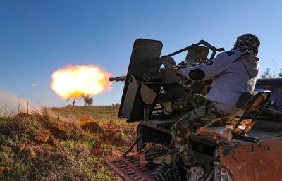 Rebeldes contraatacan en Siria, pero el régimen avanza