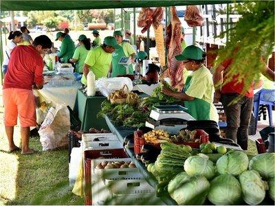 Con buenos precios, feria granjera retoma actividades en la Costanera