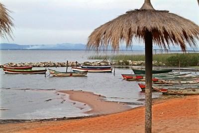 ¿Interés inmobiliario para secar el lago Ypacaraí? Comisión se reúne pero no acciona, nadie sabe qué hacer, y el rumor crece