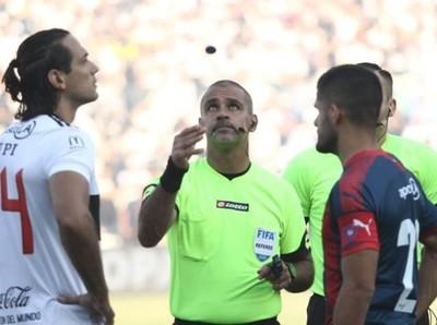 Jueces paraguayos llamados para la Libertadores