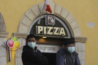 Italia resuelve reabrir escuelas y museos tras primer susto