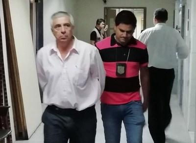 """Taxista """"planillero"""" imputado por estafa y cobro indebido obtiene prisión domiciliaria"""