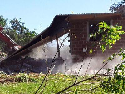 Desalojaron a una pareja de octogenarios en Itapúa