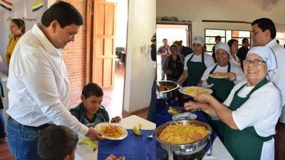 San Juan Bautista; almuerzo escolar en el primer dia de clases