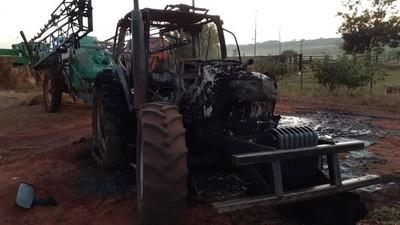 Reportan quema de tractor en zona de influencia del EPP