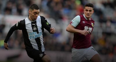 El Newcastle de Almirón empata y el West Ham sale de la zona del descenso