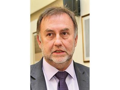 Ministro de Hacienda se postulará para presidir el BID
