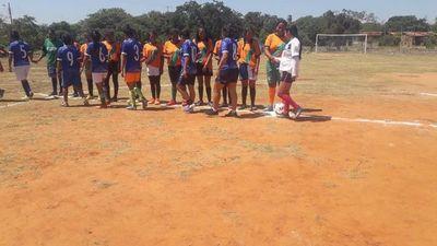 Futbol femenino une a comunidades indígenas