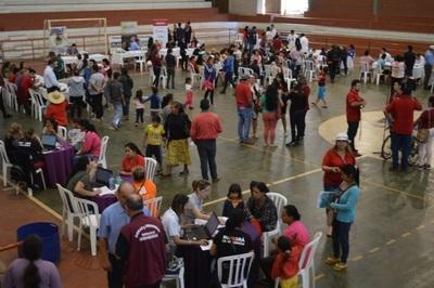 Ciudad Mujer Móvil brindó más de 3.400 servicios en Alto Paraná la semana pasada