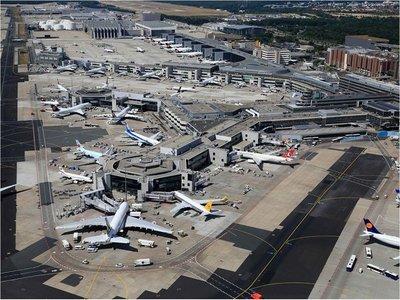 Un dron obliga a suspender tráfico en el Aeropuerto de Fráncfort