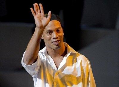 Ronaldinho llega a Paraguay este miércoles