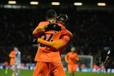 Imparable: ¡Doblete y otro golazo de Almirón para el Newcastle!