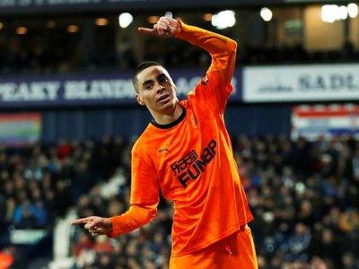 Miguel Almirón se luce con dos goles en la FA Cup