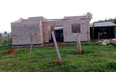 En Mbuyapey, denuncian abandono de obras  financiadas con el Fonavis