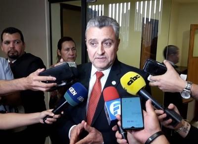 Abrazo republicano: Villamayor dice que debe respetarse el proceso pactado