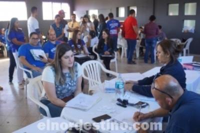 Rutinario control a estudiantes universitarios antes de una nueva Jornada de Regularización Migratoria en Pedro Juan Caballero