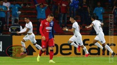 Libertad pega fuerte en su estreno en la Libertadores