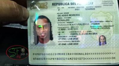 Ronaldinho habría ingresado al país con pasaportes falsos