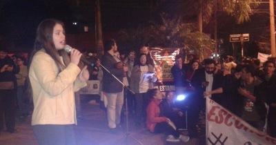 """Lourdes Ross: """"Tenemos que empezar a sacar la basura de la Municipalidad"""""""