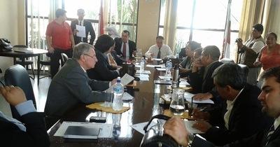 """Audiencia pública: """"A este nivel debatieron los ediles en la sesión de la Junta Municipal"""""""