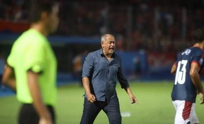 """HOY / Chiqui: """"El jugador necesita apoyo, no palo"""""""