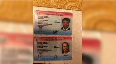 Dos detenidas por los pasaportes adulterados de Ronaldinho