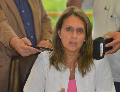 Exdirectora de Migraciones dice que Ronaldinho no debió ingresar al país