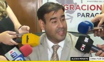 Renuncia el director de Migraciones tras escándalo de Ronaldinho